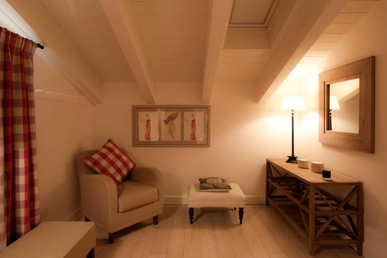 Bilocale mansarda appartamenti les fleurs bleues in for Appartamenti arredati in affitto a cormano